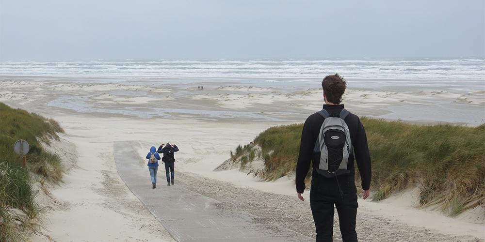 mindfull wandelen op het strand